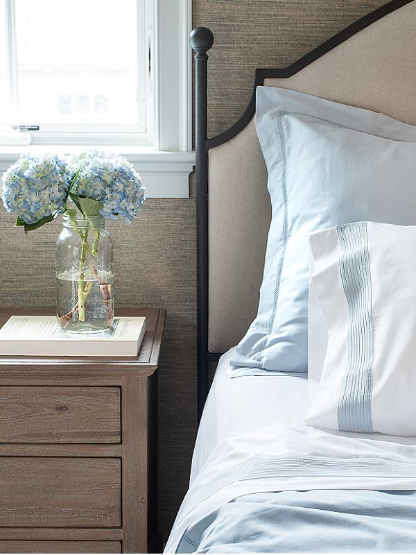 Find This Pin And More On Habitaci N Principal Classic And Minimal Bedroom