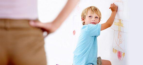 Όλοι οι γονείς υποκύπτουν κάποια στιγμή σε «πειθαρχικά ατοπήματα» προκειμένου να τα βγάλουν πέρα με τα παιδιά τους. Δείτε τα συνηθέστερα και τι πρέπει να κάνετε.