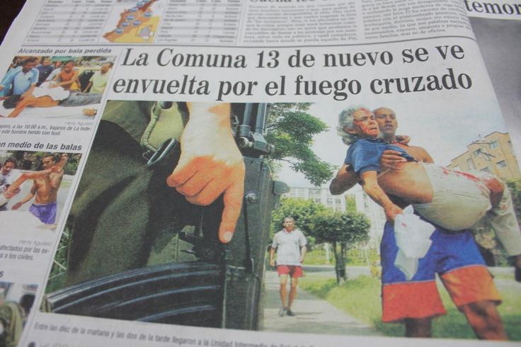 Gran cantidad de heridos llegaron entre las diez de la mañana y las dos de la tarde a hospitales cercanos a la Comuna 13. Tomado de El Colombiano del 17 de octubre del 2002.