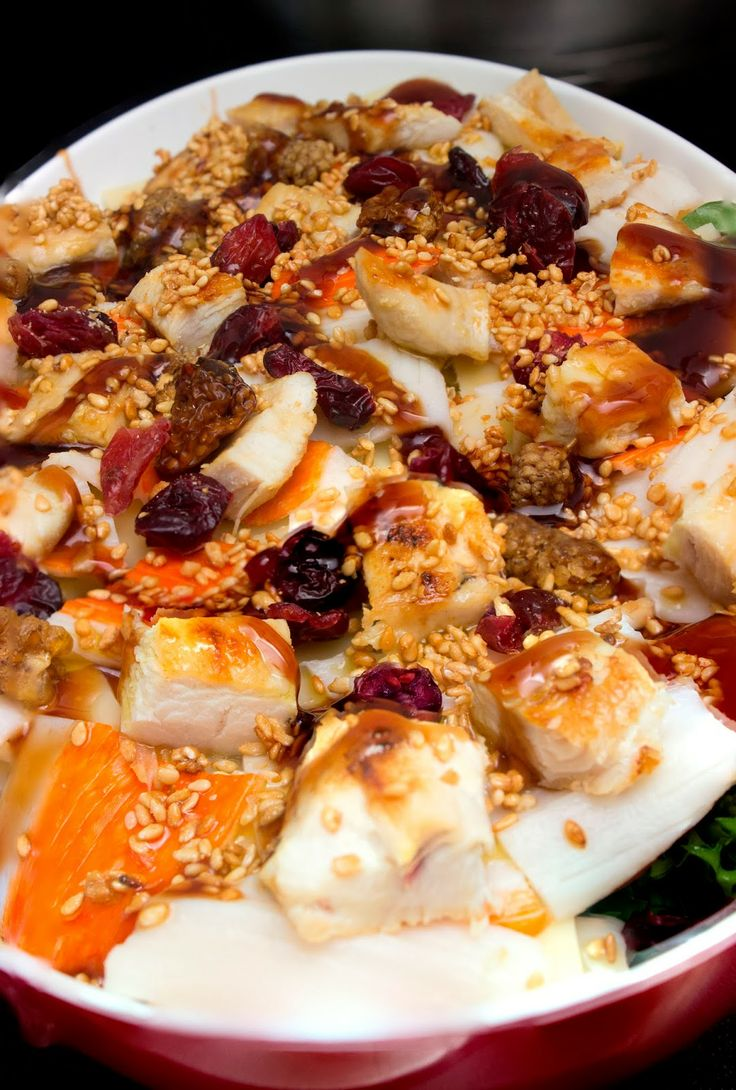 Ensalada de cangrejo y pollo al balsámico de frambuesa con sésamo dulce   El Baul de las delicias