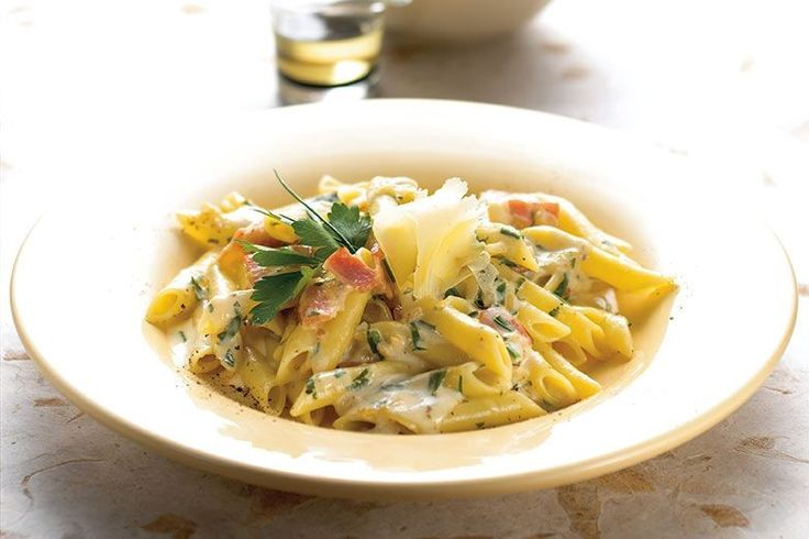 Carbonara is one of the most famous Italian dishes and can be made at home, in just a few minutes.