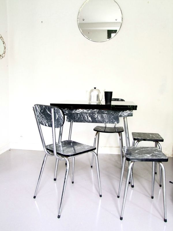 Table formica by Pataluna