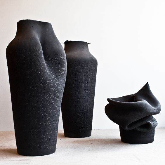 """Découverte lors de la Paris Design Week, """"Ashes"""" est une série de vases et de contenant de caoutchouc imaginée par la designer Birgit Severi..."""
