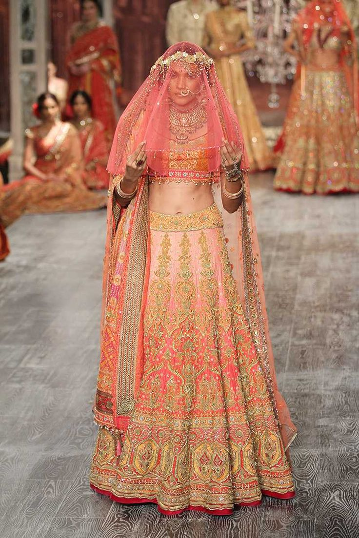Tarun Tahiliani - India Couture Week 2016                                                                                                                                                                                 More