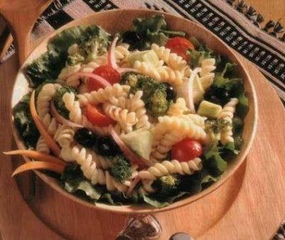 Brokkolis tészta saláta recept