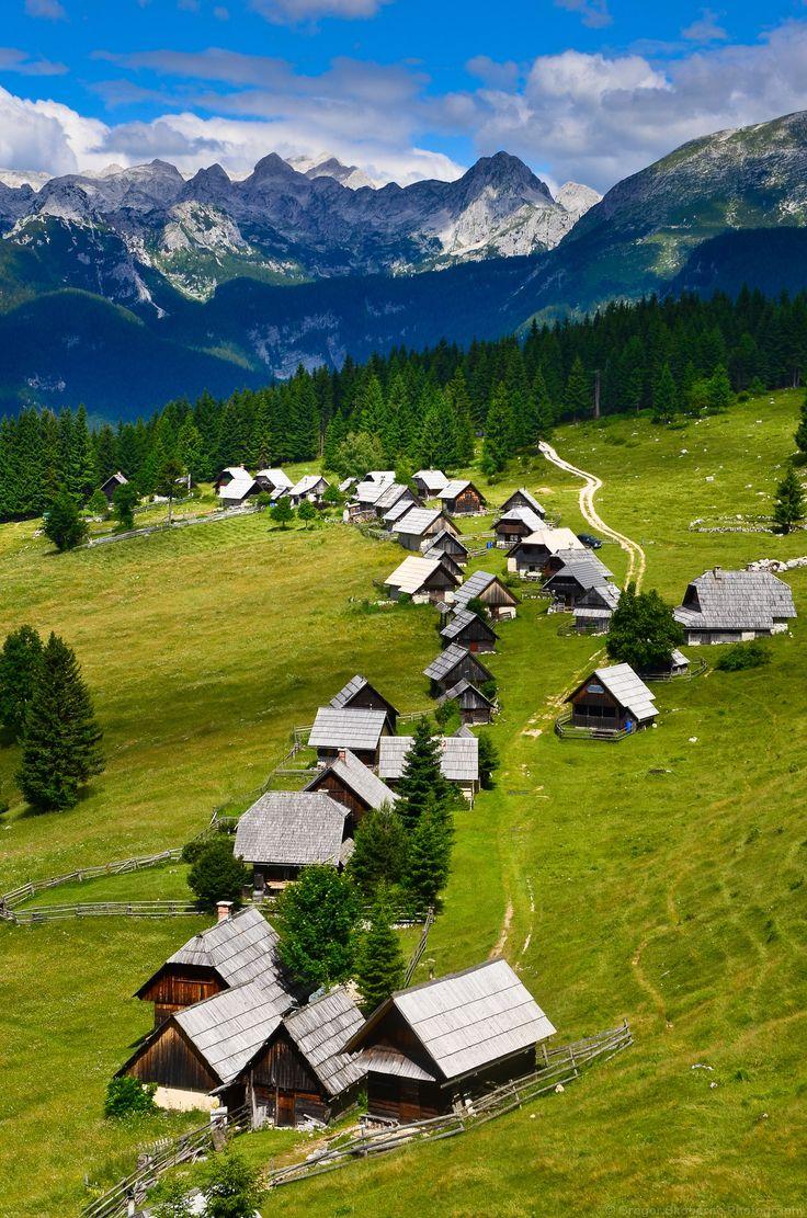 Alpine pasture Zajamniki by Gregor Skoberne (Slovenia) | 3 ...