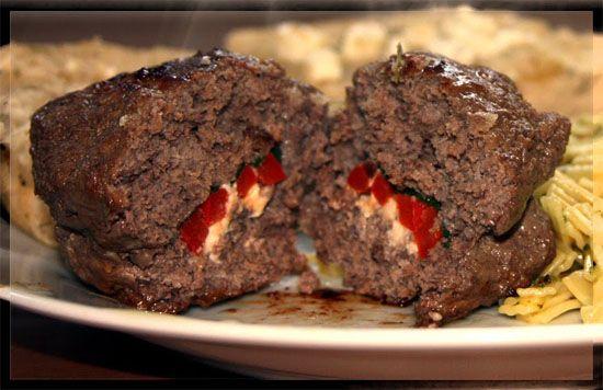 Μπιφτέκια γεμιστά με φέτα και πιπεριά - Συνταγές Μαγειρικής - Chefoulis
