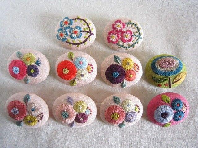 embroidery brooch http://yoridorikimidori.tumblr.com/post/80034947289/found-on-iichi-embroidery-brooch-by-siesta