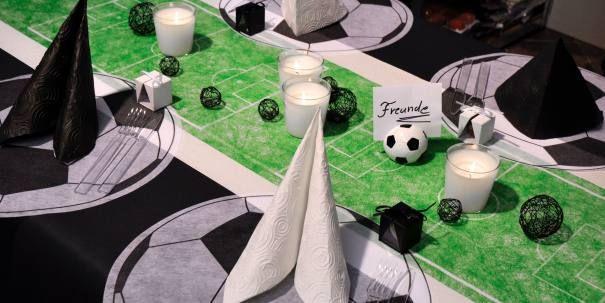 Tischdekoration Fußball-Feld