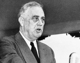 10 richest U.S presidents... 8. Franklin Delano Roosevelt >Net worth: $60 million >In office: 1933 to 1945 >32nd president. Roosevelt's wealth came through inheritance and marriage. He owned the 800-acre Springwood estate, as well as properties in Georgia, Maine and New York. In 1919, his mother had to bail him out of financial difficulty. He spent most of his adult life in public service. Before he was president, Roosevelt was appointed assistant secretary of the Navy by President Wilson.