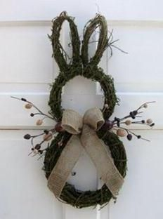 Primitive Country Easter Bunny Door Wreath, Rustic Easter craft ideas, DIY Easter craft ideas