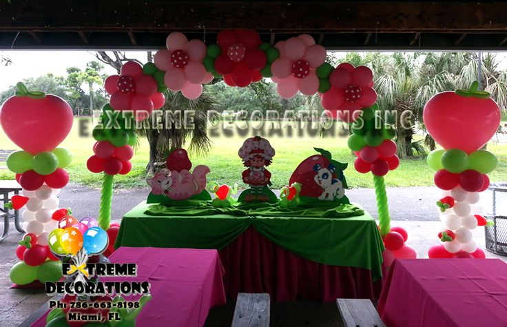 Cake Table Decorations With Balloons : 17 Best images about Strawberry shortcake on Pinterest ...
