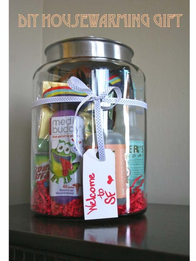 Homemade DIY Gifts in A Jar   Best Mason Jar Cookie Mixes and Recipes, Alcohol Mixers   Fun Gift Ideas for Men, Women, Teens, Kids, Teacher, Mom. Christmas, Holiday, Birthday and Easy Last Minute Gifts   DIY House Warming Gift in a Jar    http://diyjoy.com/diy-gifts-in-a-jar