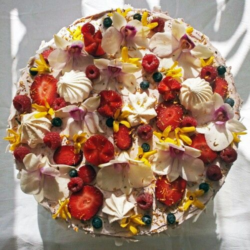Flower spring cake