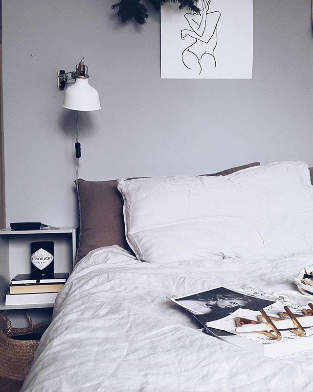 new linen duvet set. so soft ☁  #scandi #scandinavian #scandiinspo #scandistyle #scandidecor #scandinaviandesign #scandiinterior #nordic #nordicinterior #nordicinspo #interior #interiorinspo #monochrome #simplicitydesign #minimal #handmade #blogger #lilihalodecoration #bedroom #bedding #grey #vsco #vcogood #interior2you #interior4all #hmhome #hmhomebedroom #modernliving #deco #modernhome