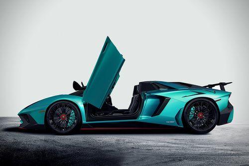 2017 Lamborghini Aventador - competitors