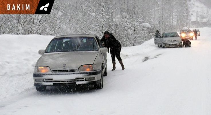 Karlı havalarda araba nasıl kullanılır?  Kış ayları, hem araçlar hem de sürücüler için zor bir dönemdir. Soğuk hava, yoğun kar, buzlanma gibi durumlar, aracı kullanırken sürücününde zor anlar yaşamasına sebep olur. Oysa böyle havalarda yola çıkmadan önce yapacağımız bir kaç şeyle, daha güvenli sürüş yapmak mümkün.