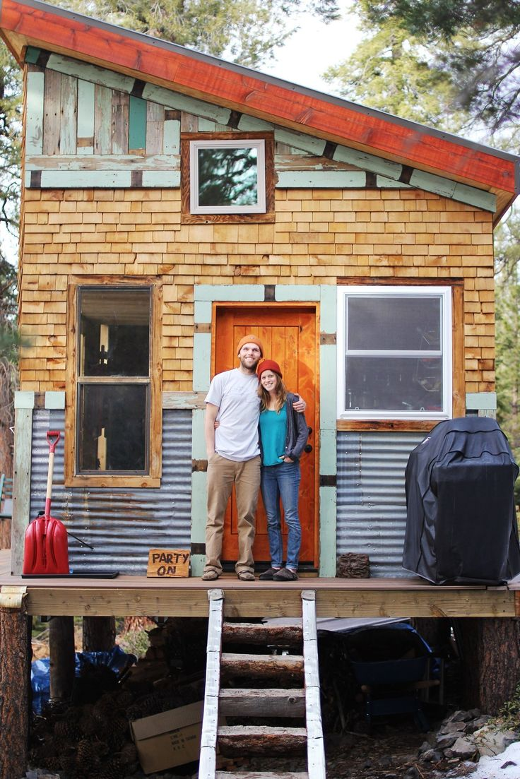 Tim and Hannah live in a tiny 196-square-foot cabin in Tahoe, California that they built themselves. The cabin is situated in a forest, is made of mostly recycled, salvaged, or low-impact materials, and is completely off the grid.   	   How do they cook if there's no electricity, you may be wondering. What about a refrigerator? Or running water? They figured it all out, and designed a functional cooking space full of untraditional yet smart solutions.