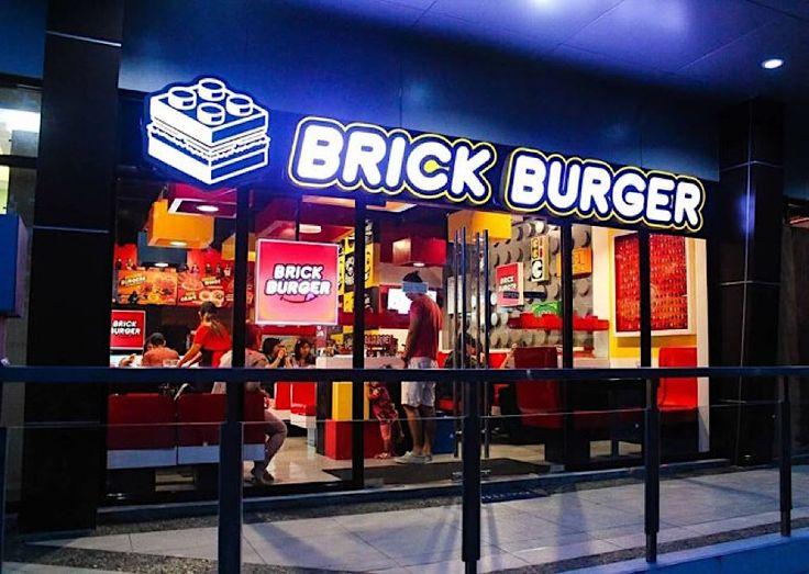 Brick Burger ist ein philippinisches Restaurant im Stil von Lego  In der philippinischen Stadt Pasig gibt es ein Restaurant, das sich ganz der Optik von Lego verschrieben hat. Nicht nur ist die Inneneinrichtung von...