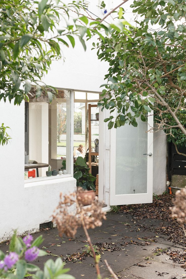 Shopper's Diary: Garden Objects in Auckland: Gardenista