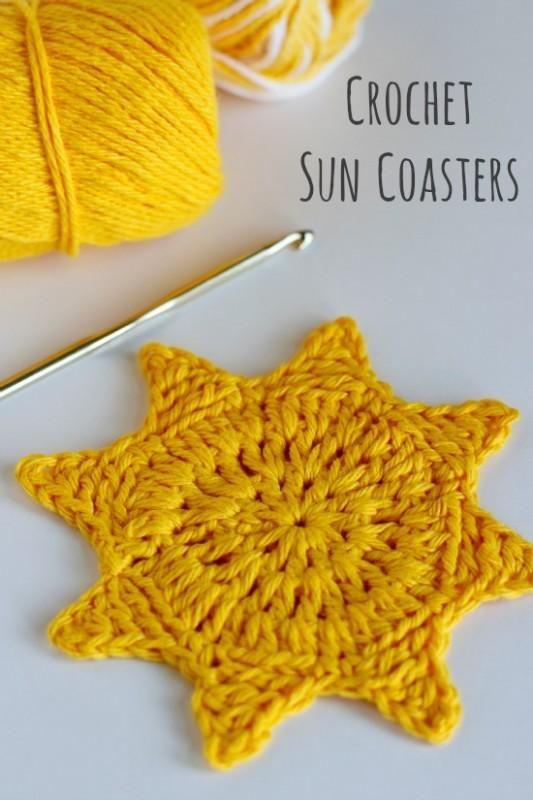 Thinking of summer again, adorable crochet sun coasters...