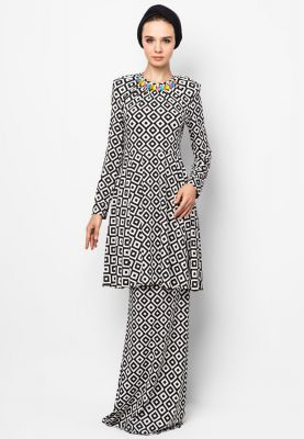 Grace Kurung | FREE SHIPPING AVAILABLE | ZALORA.COM.MY