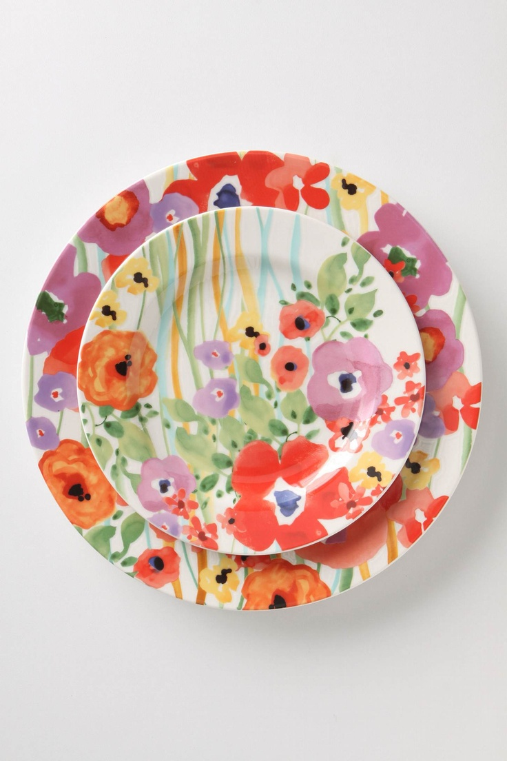 Gorgeous floral plates from Anthropologie... I think they'd look amazing used to serve a simple white cake...