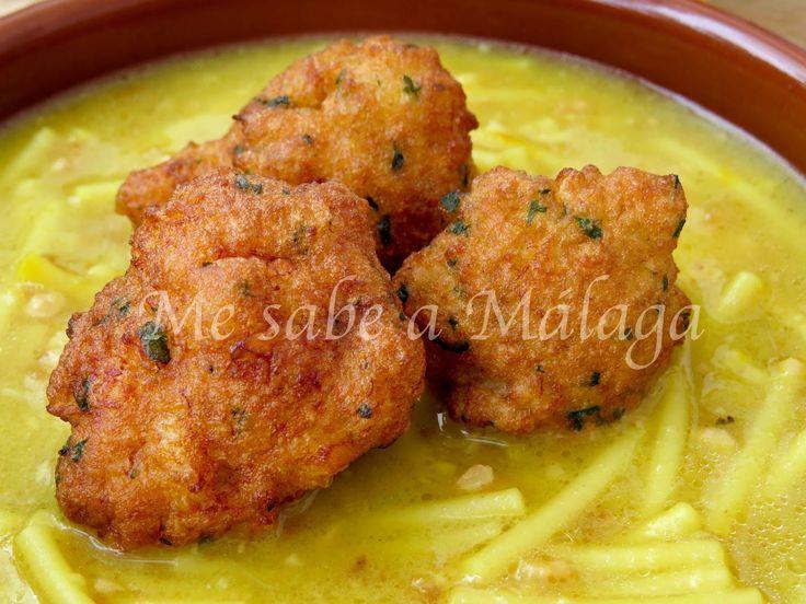 La cazuela de papaveotes es un plato típico del precioso pueblo de Alfarnate. Antiguamente se solía mezclar una yema de huevo con el ca...