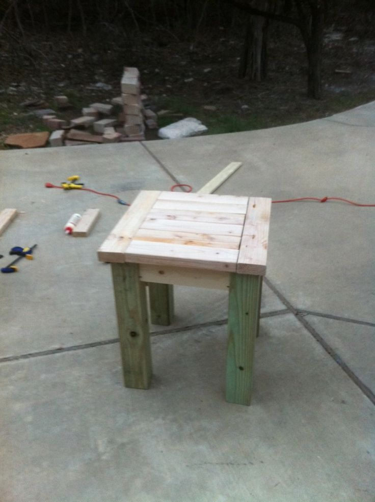Diy end table stain or paint home decor pinterest for Diy barn table