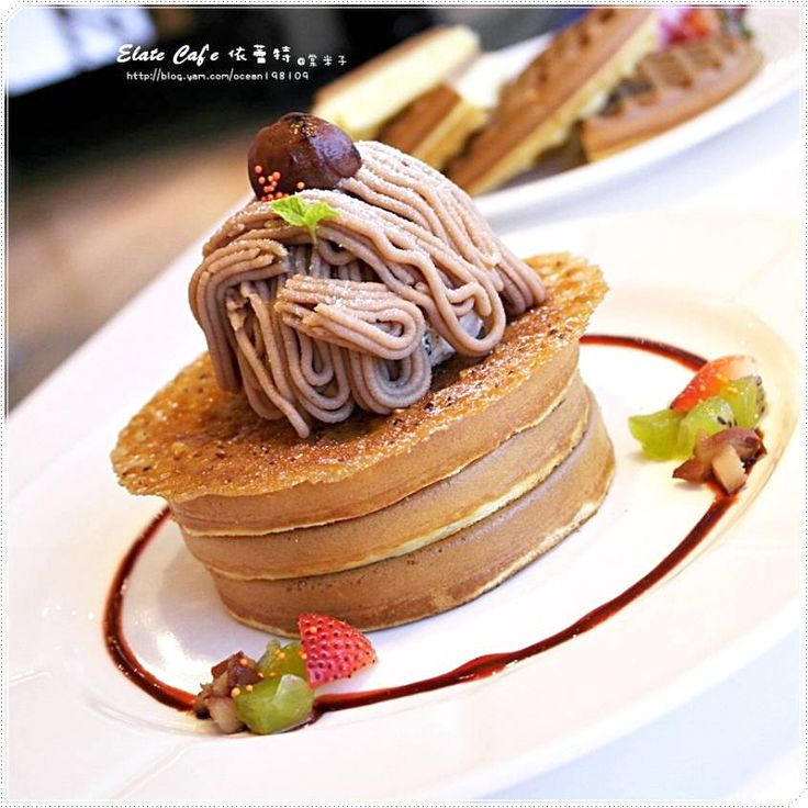 Afternoon tea & dessert from Elate Cafe in Tainan, Taiwan. It's Mont Blanc on pancakes!