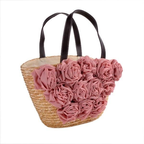 Rieten tas met oud roze bloemen: voor de romantische dames