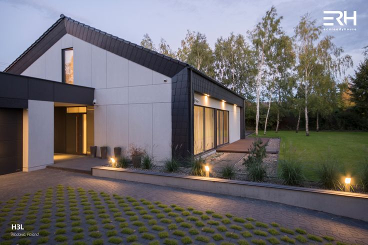 House H3L in Kłodawa, Poland #architecture #design #modernarchitecture #dreamhome #home #house #passivehouse #energysavinghouse  #modernhome #modernhouse #moderndesign #homedesign #modularhouse #homesweethome #scandinavian #scandinaviandesign #lifestyle  #nature #evening # lighting #houselighting #garden #ecoreadyhouse #erh