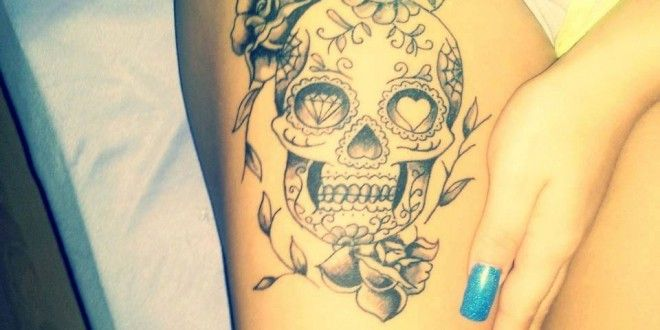 Totenkopf Rosen Tattoo am Bein #tattoo #inked #ink #tattoos