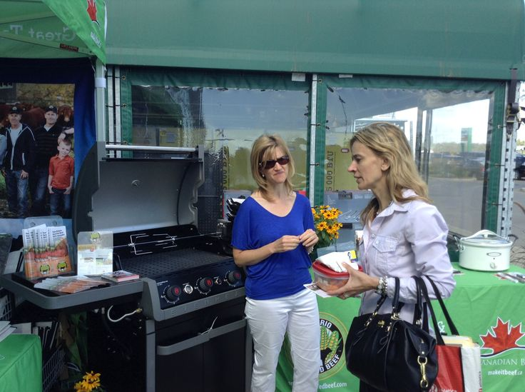 Sampling delicious pulled #beef at Real Canadian Super Store in #Oakville Ontario August 28th. The last stop on the #ONCornFedBeef #Food Truck Tour