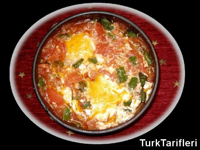 Яичница с помидорами (Menemen) ~      8 яиц     3 шт зеленого острого перца     3 помидора     2 ч.л. соли     0,5 ч.л. черного перца     1 ст.л. маргарина