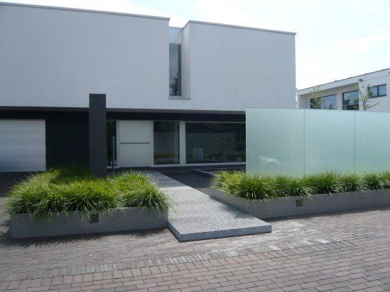 Meer dan 1000 afbeeldingen over garden op pinterest tuinen hagen en siergrassen - Landscaping modern huis ...
