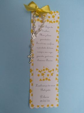 Marcador de livro em scrap, com um anjinho vazado, mensagem do anjo da guarda e um mini terço. Ideal para lembrancinhas de batizado e primeira eucaristia.