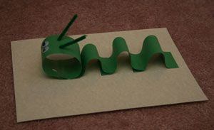 paper inchworm craft!