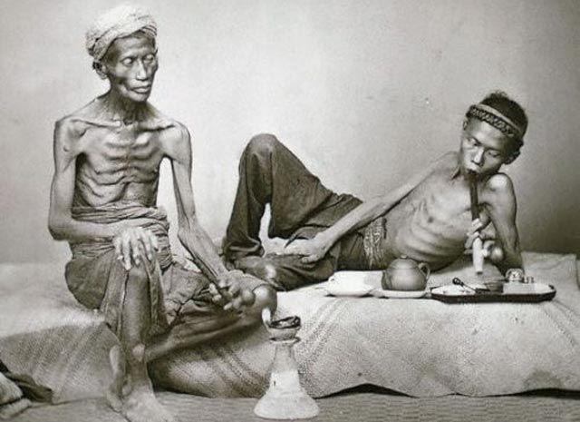 Sejarah Penggunaan Opium di Tanah Jawa Pada Jaman Penjajahan Belanda 1885
