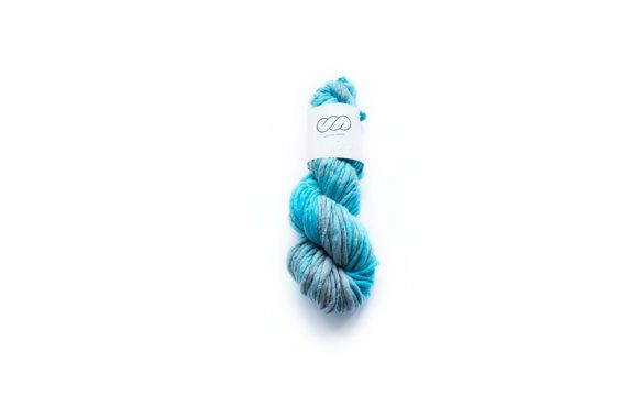 Ovilab Singature Chunky | Aquamarine | Hand-dyed, Handspun Superchunky Yarn | Superfine Chubut Merino