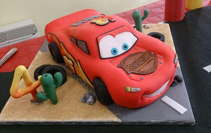Cars saetta mcqueen cake