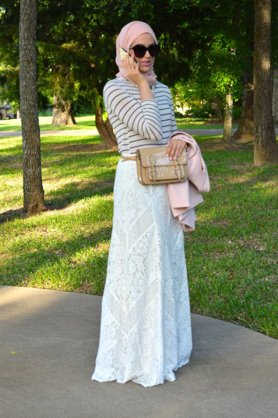 Loving the white lace and blush pink combo! Modest Style, Lace Maxi Skirt,
