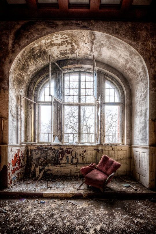 Abandoned Buildings by Matthias Haker #decay #abandoned #house #interior #architecture