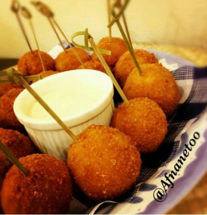 Bolas de patata y queso + salsa ranch = delicioso pasabocas