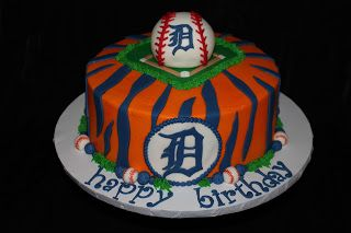 Detroit Tigers Baseball Birthday Cake! Great for the baseball lover in all of us <3 Go TIGERS!