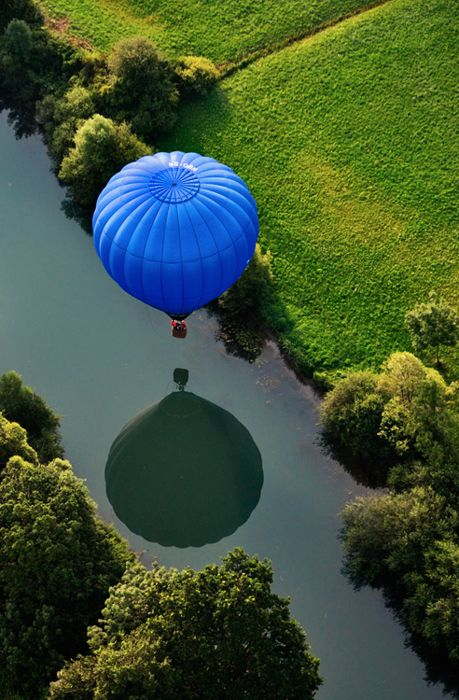 balloon reflection