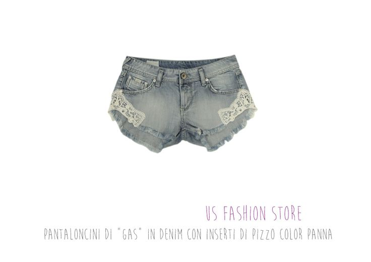 "US Fashion Store - Pantaloncini di ""Gas"" in denim con inserti di pizzo color panna!"