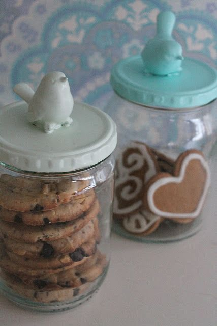 a simple jar decoration to jazz up a simple little gift!