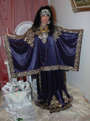 Robe chaoui algerie vetements traditionnels algeriens for Vente robe chaoui