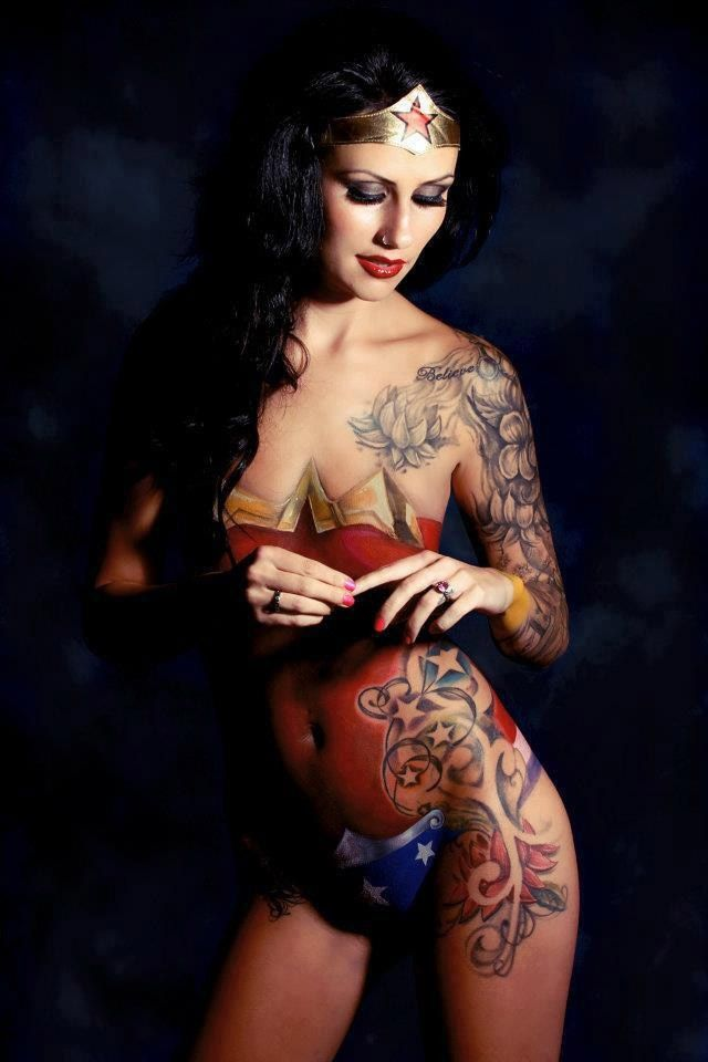 Amazing Female Body Tattoos And Paintings